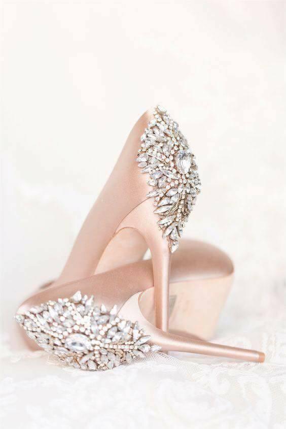 zapatillas en rosa gold para novias