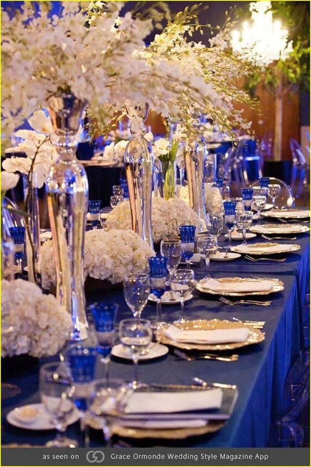 centros de mesa para bodas azul rey