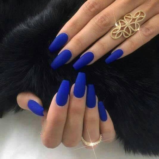 manicure para novias en color azul