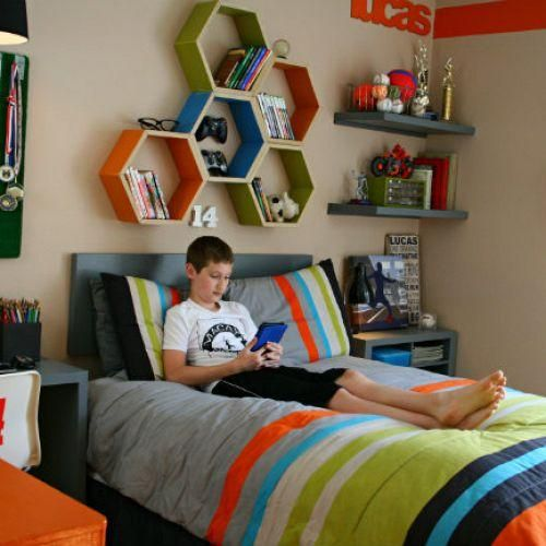 How to organize a teen room