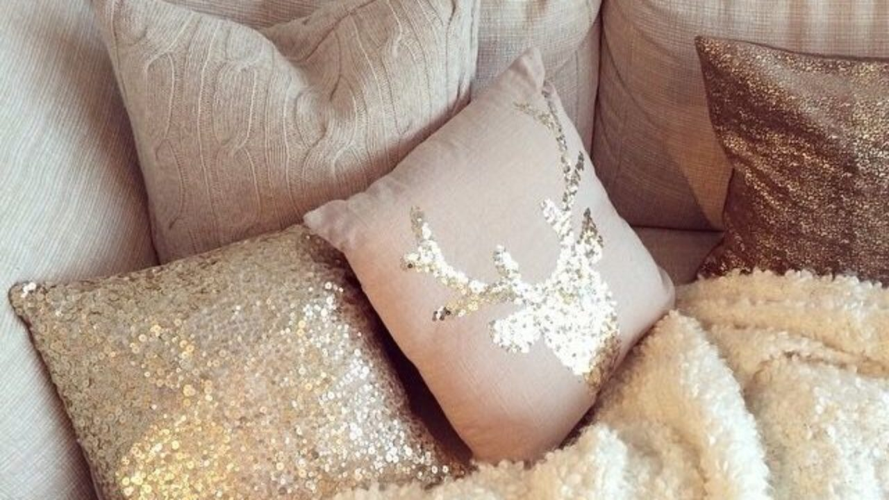 Ideas For Decorative Pillows How To Organize