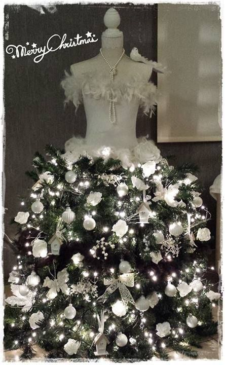 e104ccd5387c7 christmas-trees-made-from-dress-forms (12) | How to organize