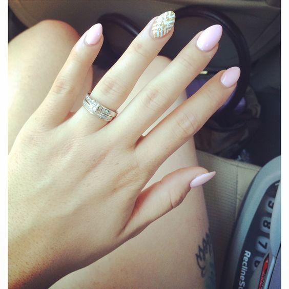 Half Well Nail Tips: Oval Nails Designs