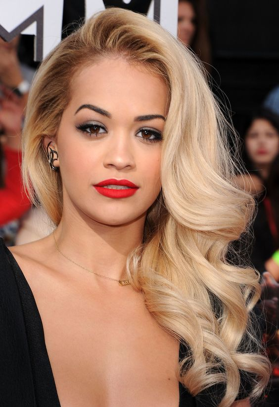 Red carpet hairstyles you can use at special events (22 ...