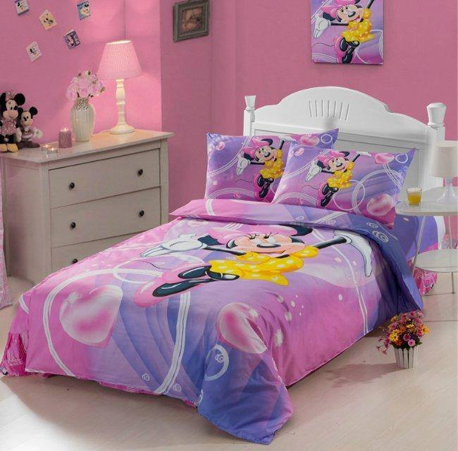 decorating-childrens-bedrooms-with-quilts-mickey-and-minnie ...