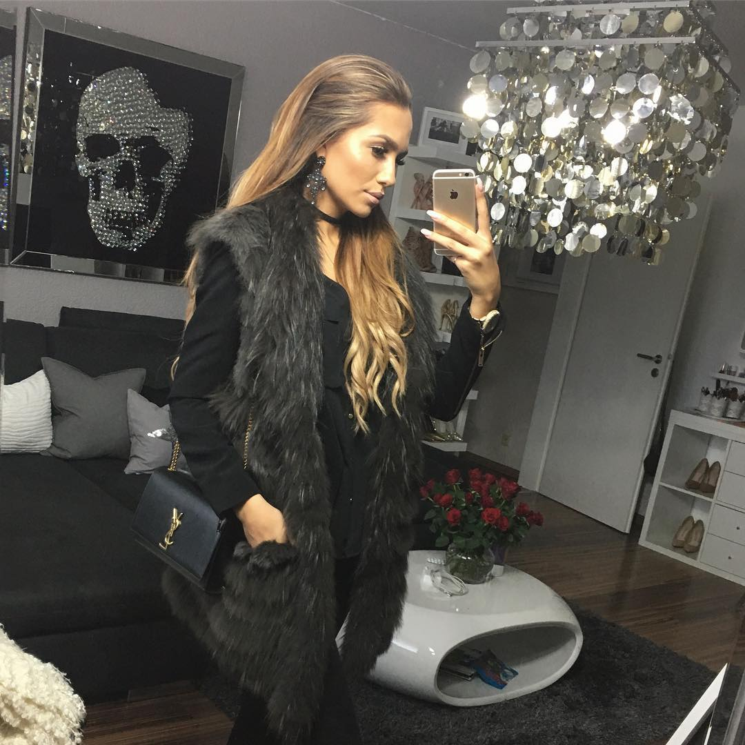 33 different looks combining black You will love it!