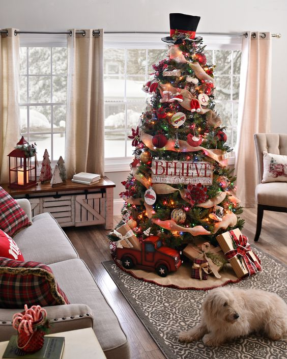 The 2018 Trends For Christmas Decorations: 2017-2018-christmas-tree-trends (21)