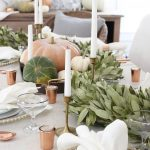 How to decorate the table at Thanksgiving dinner 2017