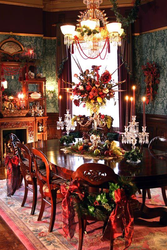 Decoration of elegant tables for Christmas dinner