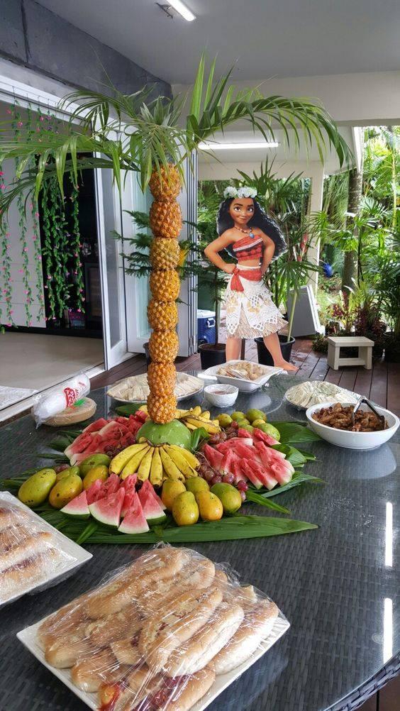 'Moana' first birthday party: diy floral number | Moana ... |Moana Themed Christmas Tree