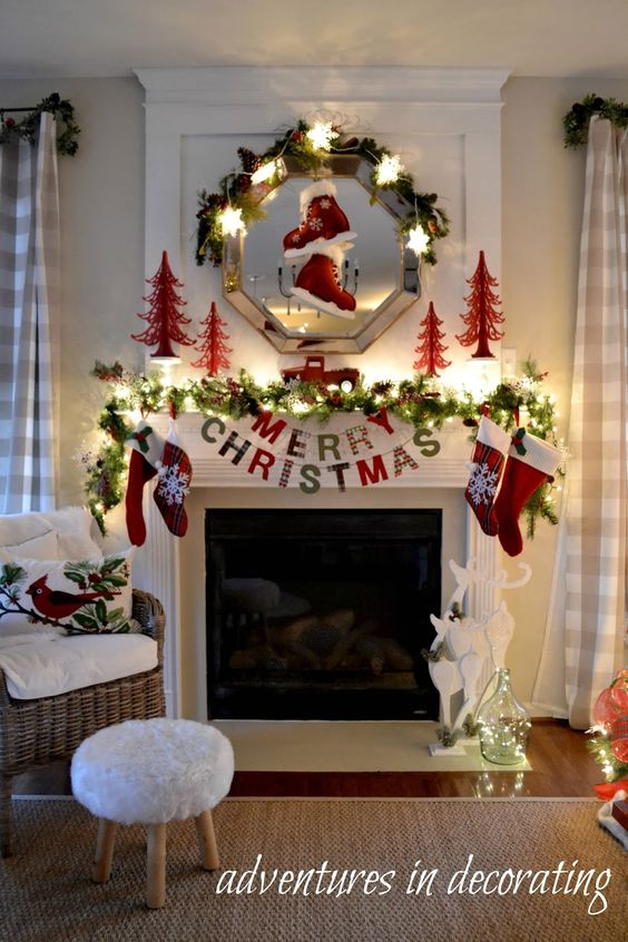 How to decorate fireplaces in christmas for How to decorate a fireplace for christmas