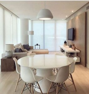 Magnificent dining room decoration with round tables
