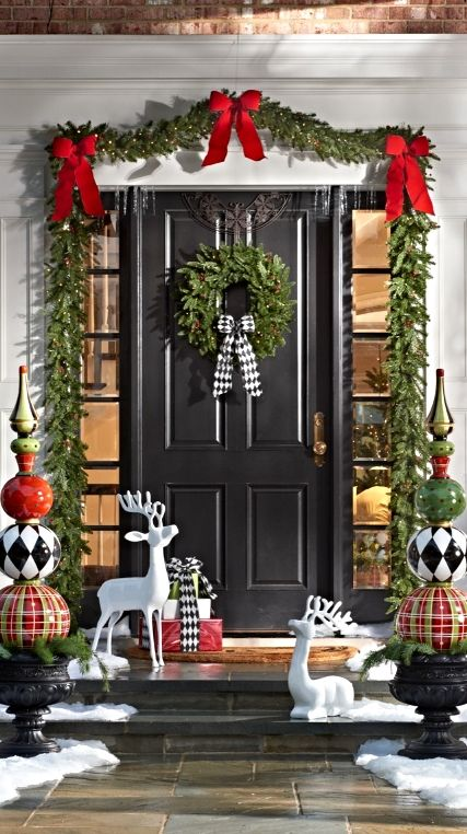 Ideas to decorate your entrance this christmas 2017 2018 for Decorate your house