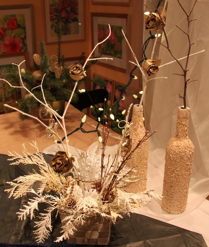 Decoracion para navidad en color beige y dorado navidad 2017 for Decoracion de locales para navidad