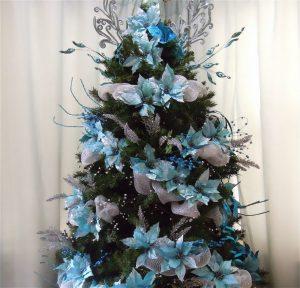 Como decorar un arbol de navidad azul plata y blanco - Como decorar un arbol de navidad azul ...