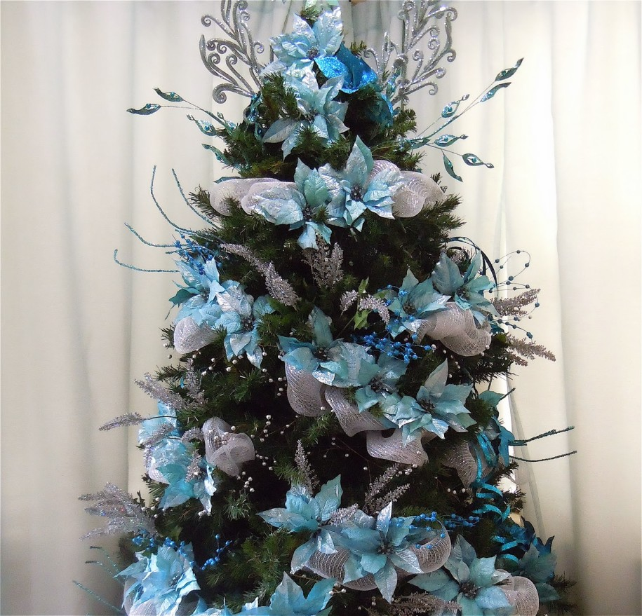 Arbol navidad azul plata decoracion de interiores - Como adornar un arbol de navidad blanco ...