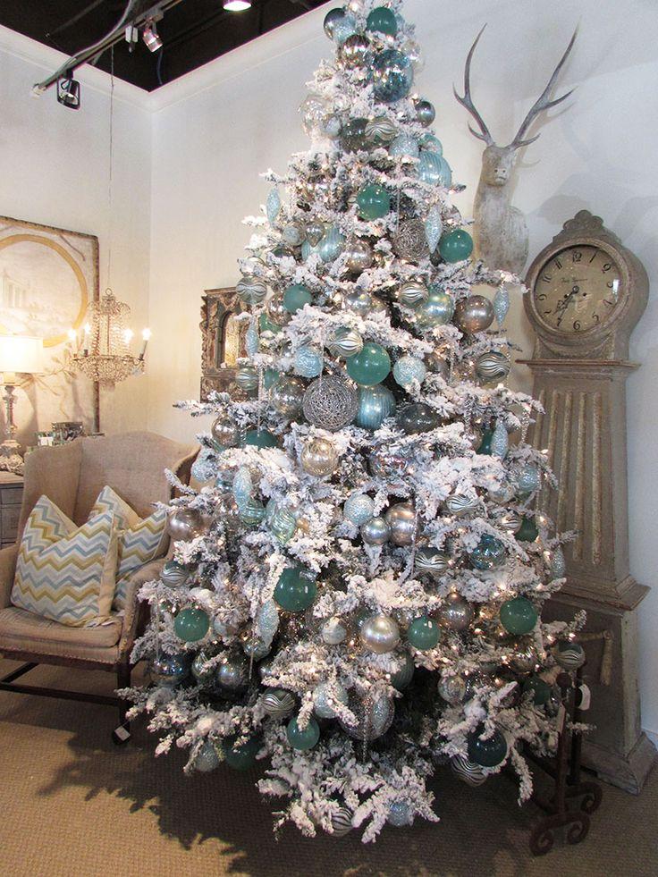 Arbol navidad azul plata decoracion de interiores - Como decorar un arbol de navidad azul ...