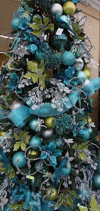 Navidad azul plata decoracion de interiores fachadas - Como decorar un arbol de navidad azul ...