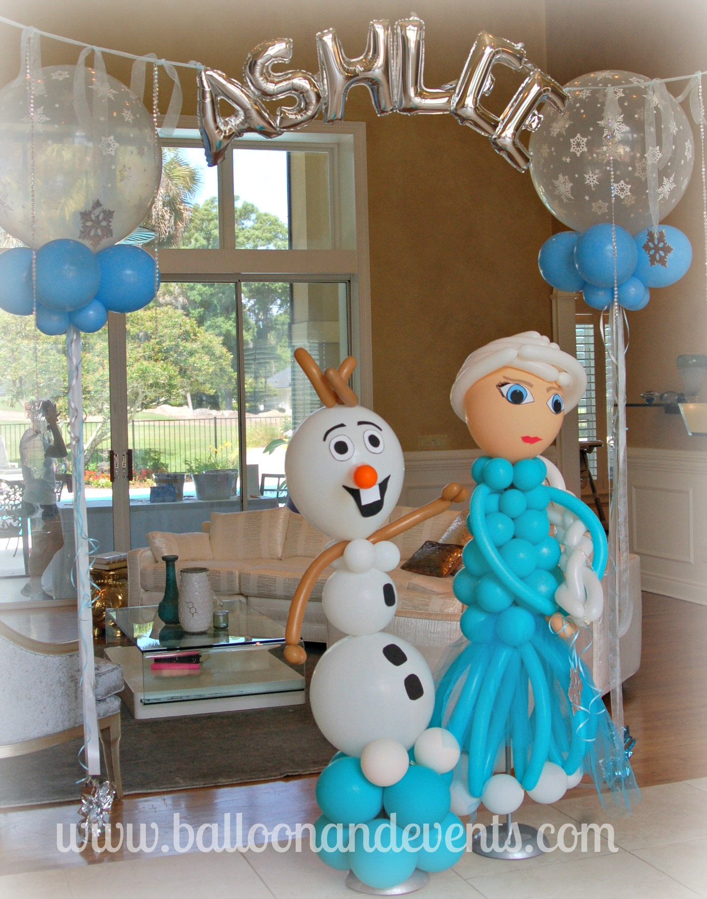 Decoracion con globos frozen decoracion de interiores for Adornos de casa decoracion