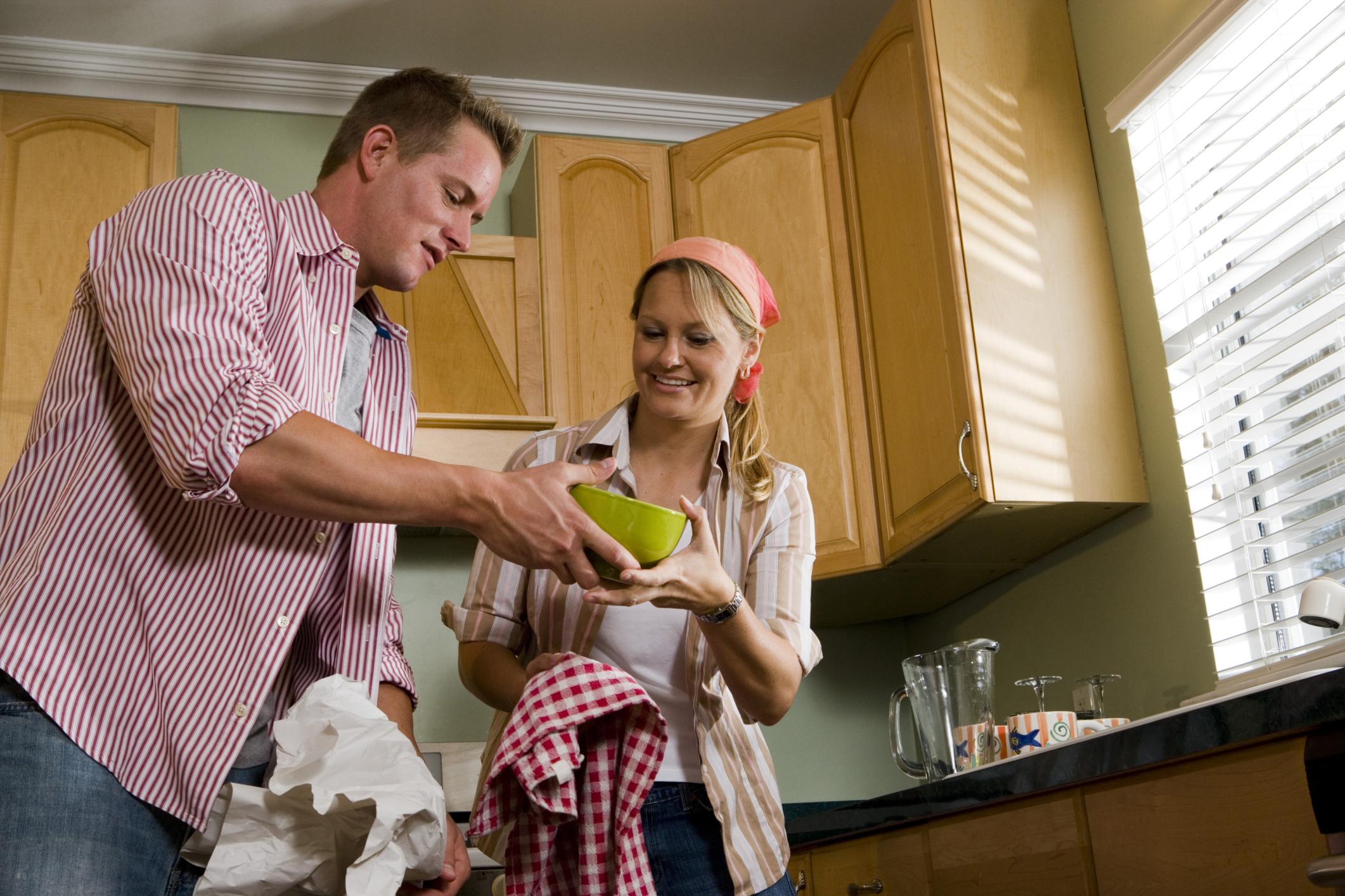 como-limpiar-los-platos-y-vasos