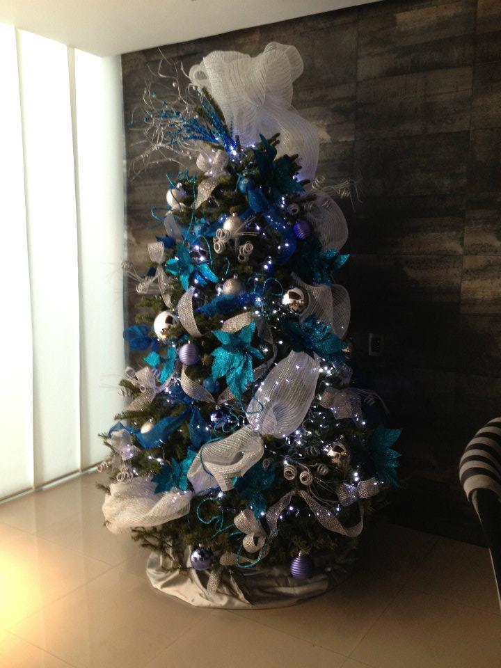 Arbol de navidad 2017 2018 decoracion de interiores - Arbol de navidad adornos ...