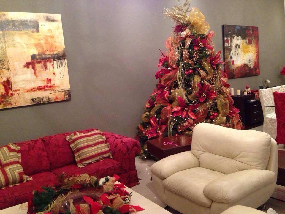Arboles de navidad para salas peque as como organizar la for Decoraciones de apartamentos 2016