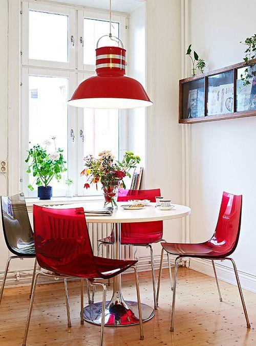 28 ideas para organizar y decorar comedores con un toque for Comedores modernos color blanco