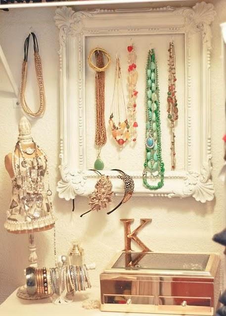 25 ideas para organizar accesorios decoracion de for Decoracion de accesorios