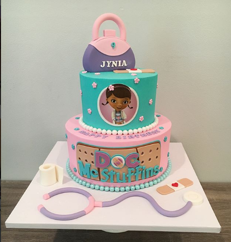 pasteles para fiesta de doctora juguetes (2)