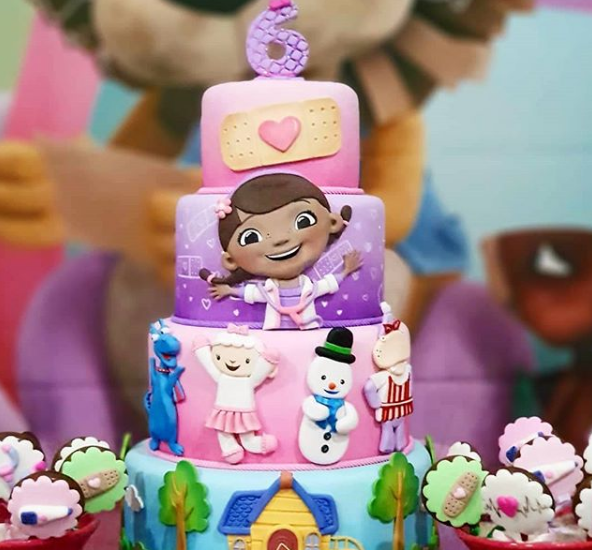 pasteles para fiesta de doctora juguetes (4)