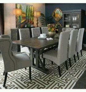 Sophisticated dining decoration