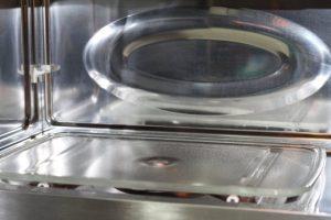 idea-limpiar-el-horno-microondas