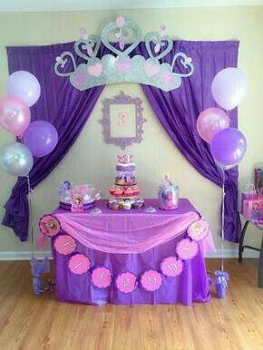 ¿Como decorar la mesa principal?