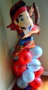 Decoraciones con globos de jake y los piratas de nunca jamas