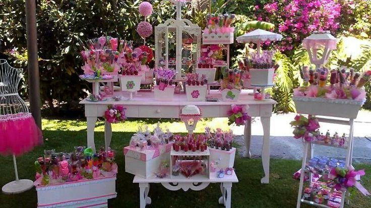 Idea de decoracion de mesa de postres en color rosa - Idea de decoracion ...