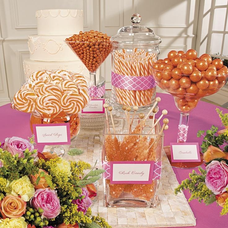 Mesa de postres color caramelo ideal para fiesta de xv for Mesa de dulces para xv anos