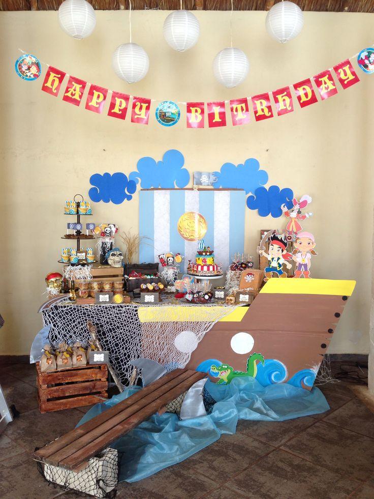 Mesa de postres fiesta decoracion de interiores fachadas for Yei y los piratas de nunca jamas