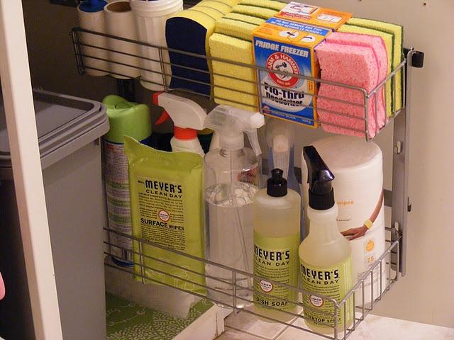 Organizar prductos de limpieza 24 Organizar limpieza casa