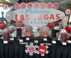 Mesa de postres con tema de Las Vegas (1)