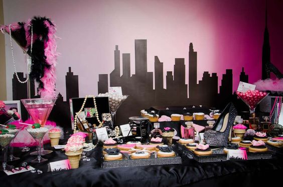 Mesa de postres con tema de Sex and the city (2)