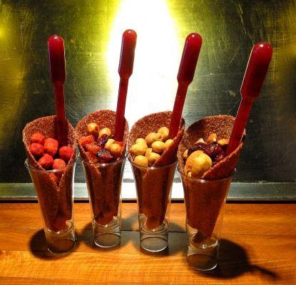 Mesa de postres salados y chile (1)