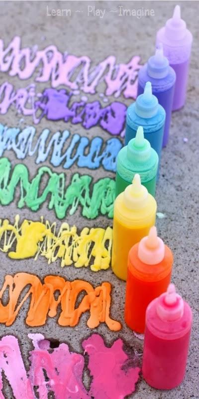 À l'instar de peinture explosive pour les enfants