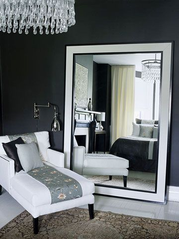 idea-de-decoracion-de-recamara-color-gris-con-espejos-grandes