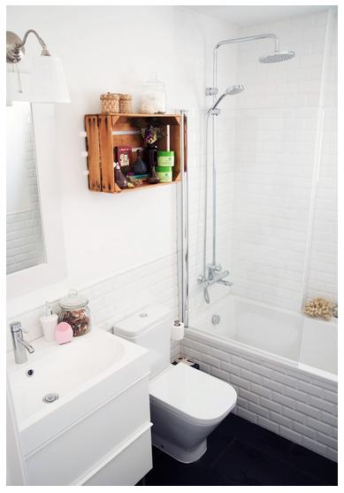 Idea para decorar ba o con estante hecho con caja de madera rustica - Cajitas de madera para decorar ...