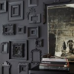 idea-para-decorar-pared-marcos-vintage-en-color-gris
