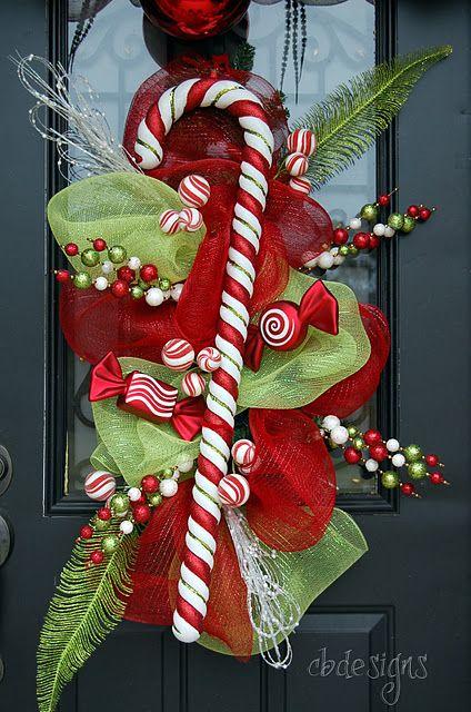 Ideas paso a paso para decorar la puerta para esta navidad diy for Decoracion en puertas de navidad