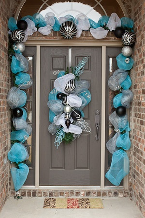Ideas decorar puerta navidad diy 36 for Decoracion en puertas de navidad