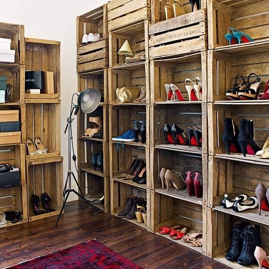 Ideas para crear closet hecho de cajas de madera rustica for Decoracion closet en madera