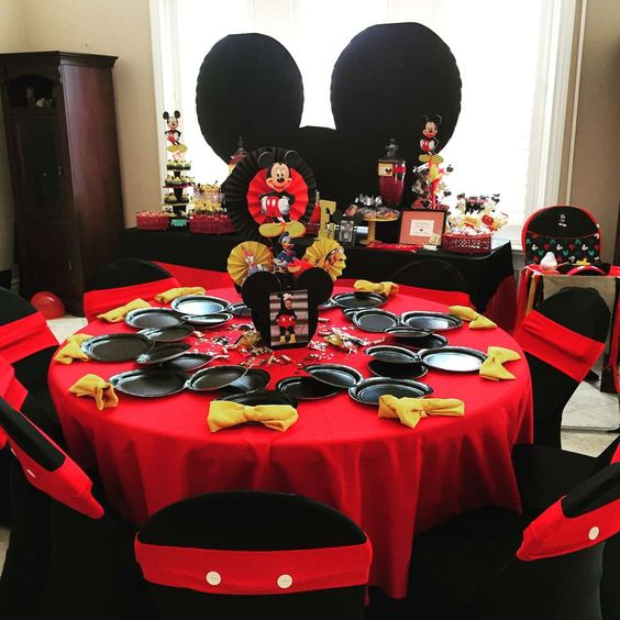 Decoración general para fiesta de mickey mouse