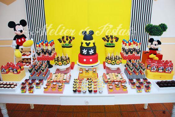 Mesas de postres de mickey mouse (6)
